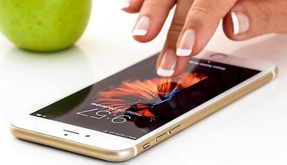 На смартфонах находится больше бактерий, чем в туалетах