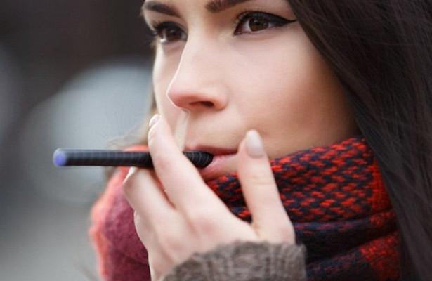 Электронные сигареты способны вызвать пневмонию