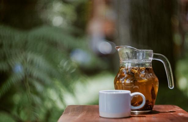 Чем вредно пить горячее во время простуды