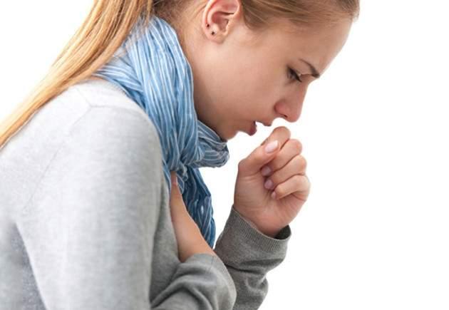 Названы тревожные симптомы, которые можно перепутать с простудой