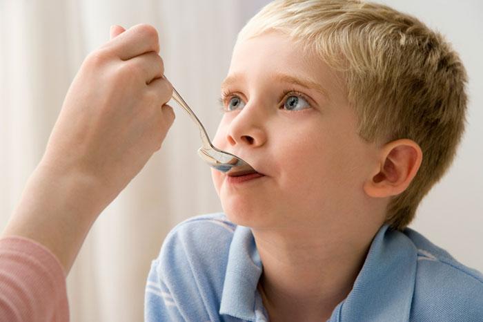 Как лечить боль в горле у детей
