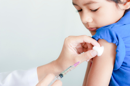 Что должна сделать медсестра перед и после вакцинации: 3 основных правила