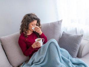 Врач рассказал, как не заразиться гриппом в транспорте