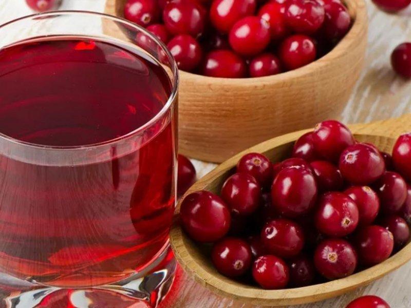 Врач рассказала о напитках из клюквы, укрепляющих иммунитет осенью и зимой