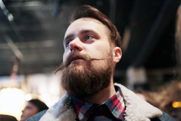 Депздрав посоветовал сбрить бороду и усы в сезон гриппа