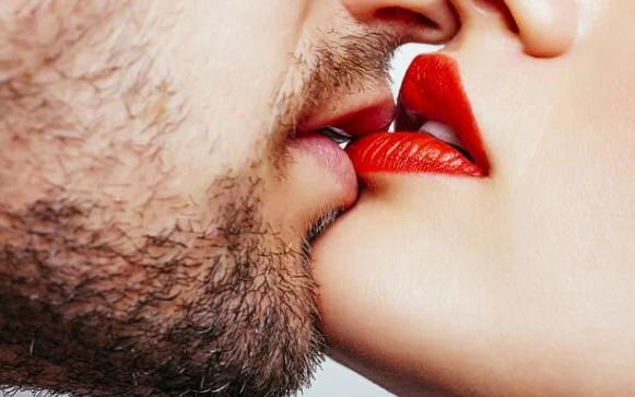 Гонорея может передаваться через поцелуи