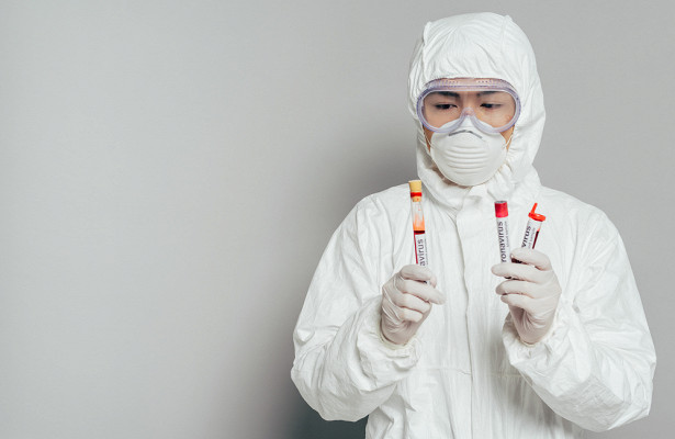 Глава немецкого института вирусологии заявил, что коронавирус опасней гриппа