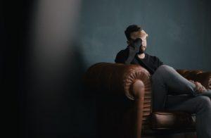 Может ли симптомом COVID-19 быть боль в яичках