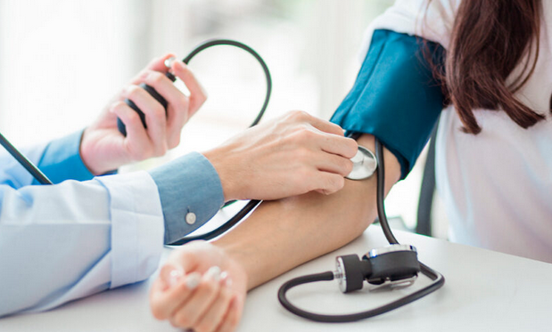 Страдают не только легкие: медик предупредил об опасном последствии коронавируса