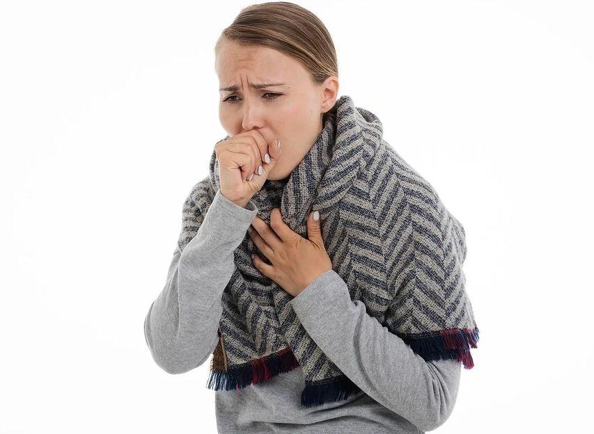 Как отличить коронавирусный кашель от обычного?