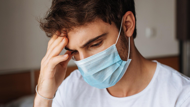 Назван один из самых ранних симптомов коронавируса