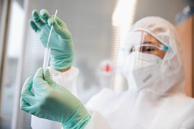 Медики рассказали о неочевидных симптомах коронавируса