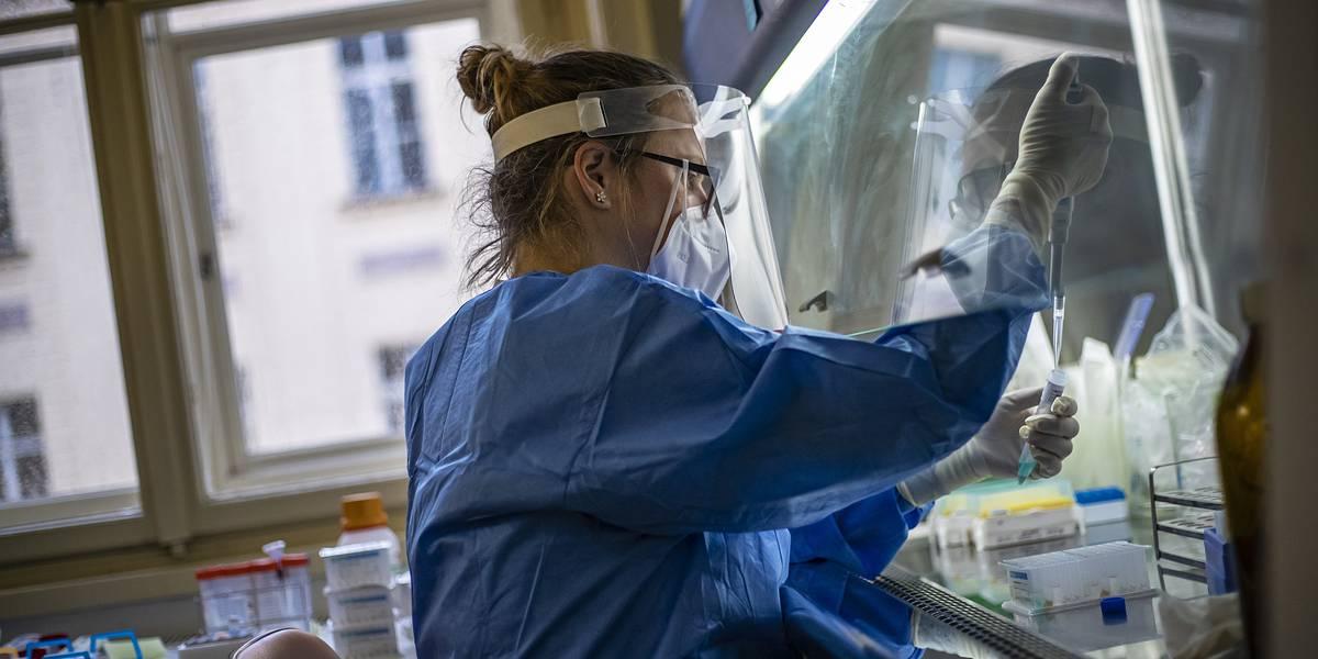 Ученые раскрыли детали мутации коронавируса