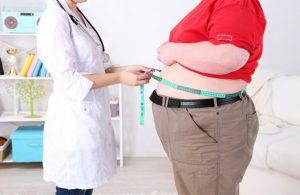 Ученые доказали связь лишнего веса с тяжестью коронавируса