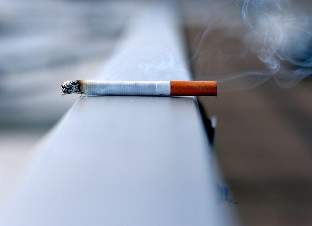 Курение не защищает от COVID-19