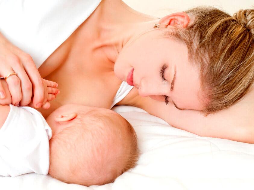 Чем кормить годовалого ребёнка на грудном вскармливании? Немного о массаже