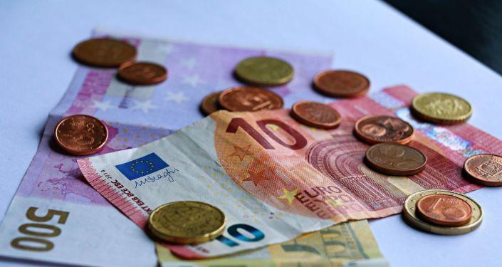 Можно ли заразиться ковидом через наличные деньги? Ученые провели эксперимент
